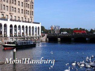 運河とアーケード