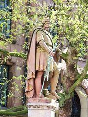 アドルフ3世の像